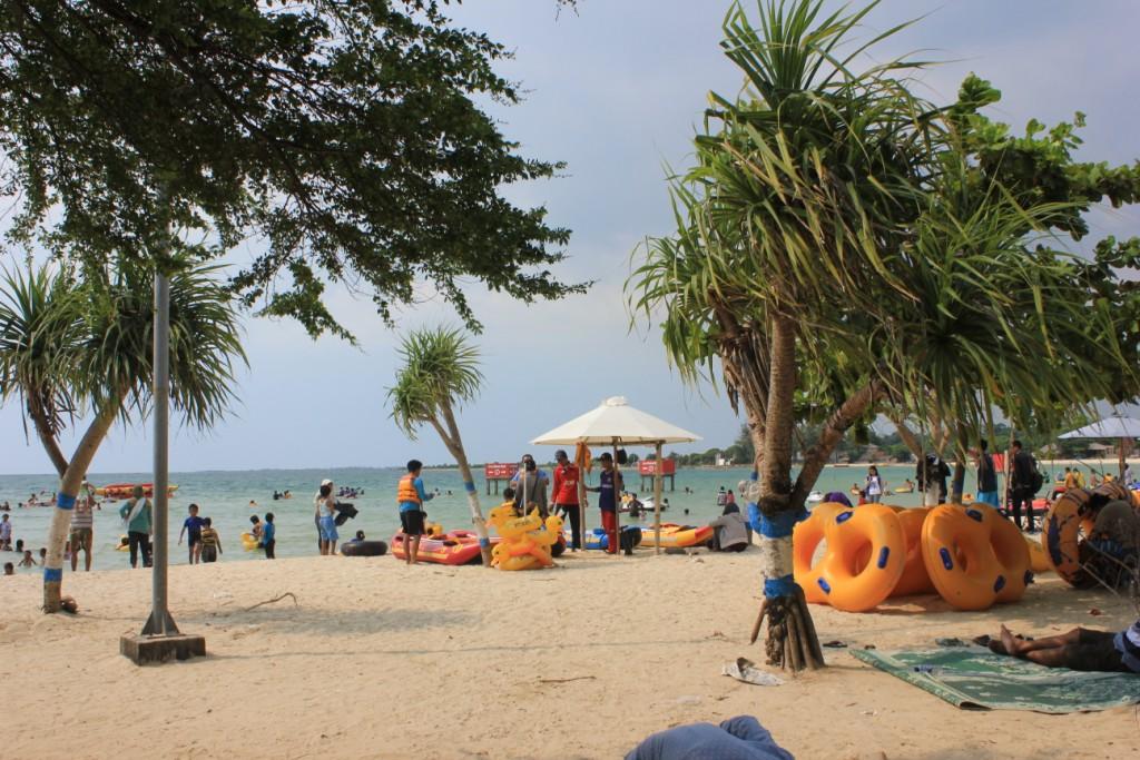 wisata pantai di jepara - bandengan jepara