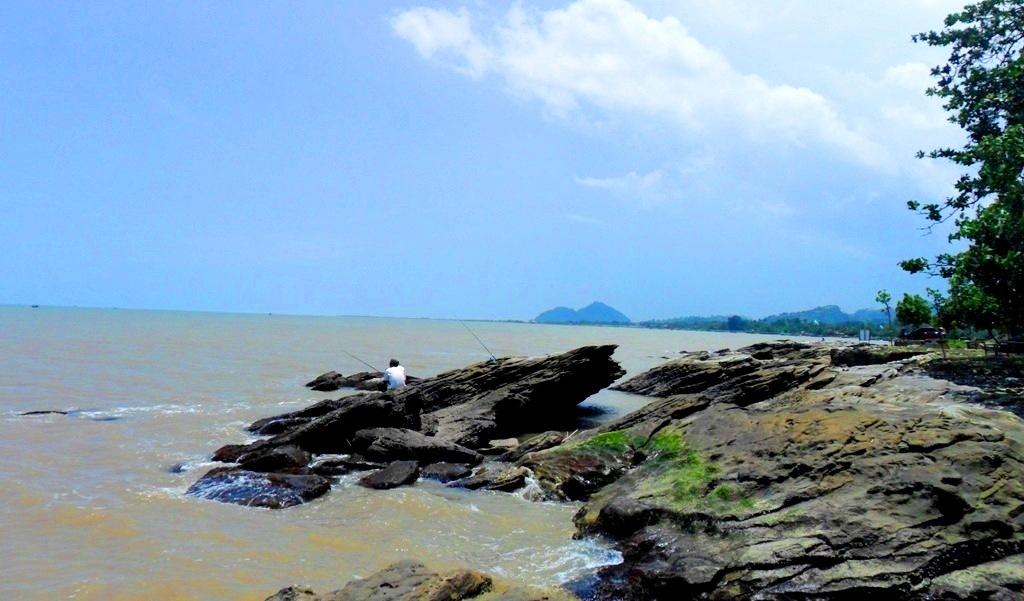 wisata pantai di jepara - benteng portugis jepara